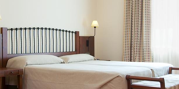 Standard room Hotel Hesperia Toledo