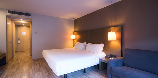 Superior room with terrace and view of the Hotel Hesperia Andorra La Vella