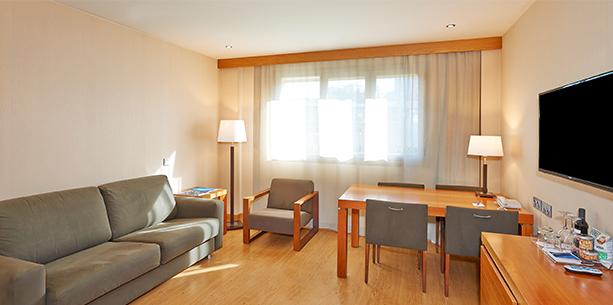 Habitación junior suite del Hotel Hesperia Donosti