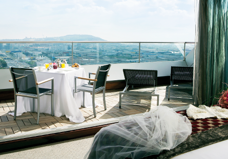 Habitación con terraza del Hotel Hesperia Barcelona Tower