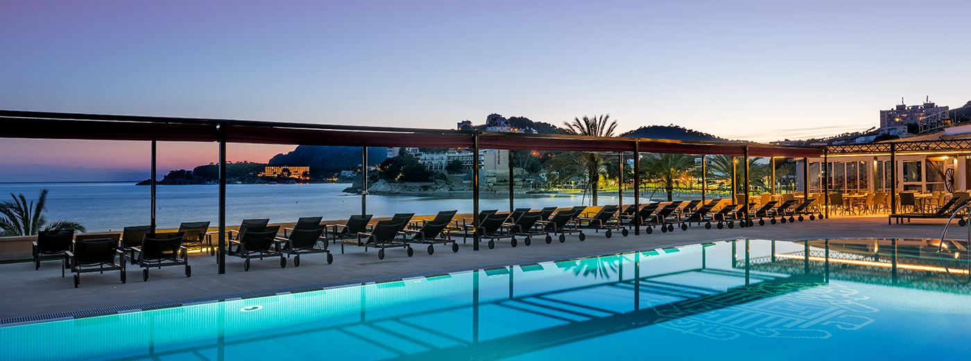 Piscina del Hotel Hesperia Mallorca Villamil