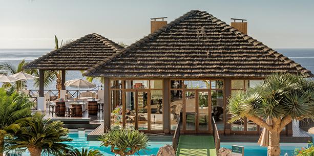 Bar de la piscina del Hotel Hesperia Lanzarote